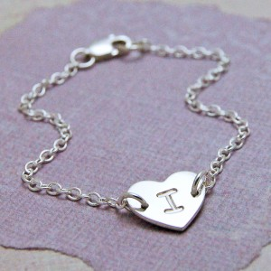 IndiviJewels Girls Sterling Silver Personalised Single Heart with Initial Bracelet