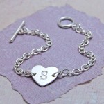 IndiviJewels Personalised Sterling Silver Single Heart Bracelet