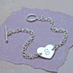 IndiviJewels Personalised Sterling Silver Single Heart with Initial Bracelet