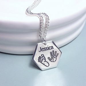 IndiviJewels Hexagon Babyprints necklace Front