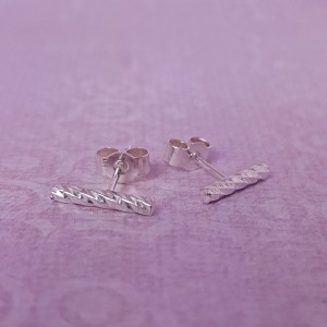 IndiviJewels Sterling Silver Faceted Bar Earrings