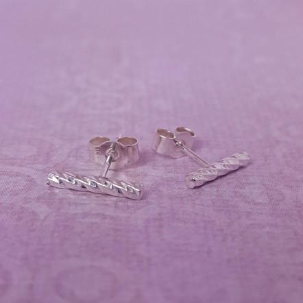 IndiviJewels Silver Diamond Cut Bar Earrings 2