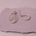 IndiviJewels Silver Faceted Teardrop Earrings alt